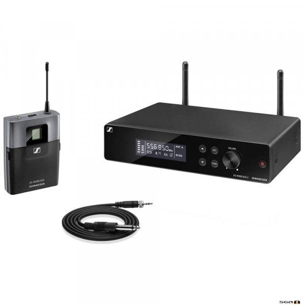 Sennheiser XSW 2-CI1 true diversity wireless microphone system w/ receiver, bodypack, instrument cable