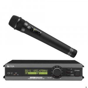 TOA WT5805HTC UHF Diversity Wireless Receiver w/ WM5225 Handheld Electret Condenser Microphone. 636-666MHz